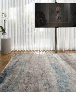 שטיח אתוס בצבע כחול אפור בסלון